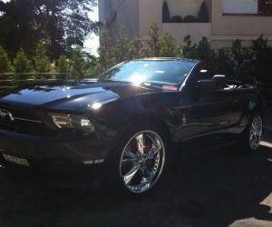 Christophe Vauthier - Nyon - Mustang V6 Convertible noire - 2012